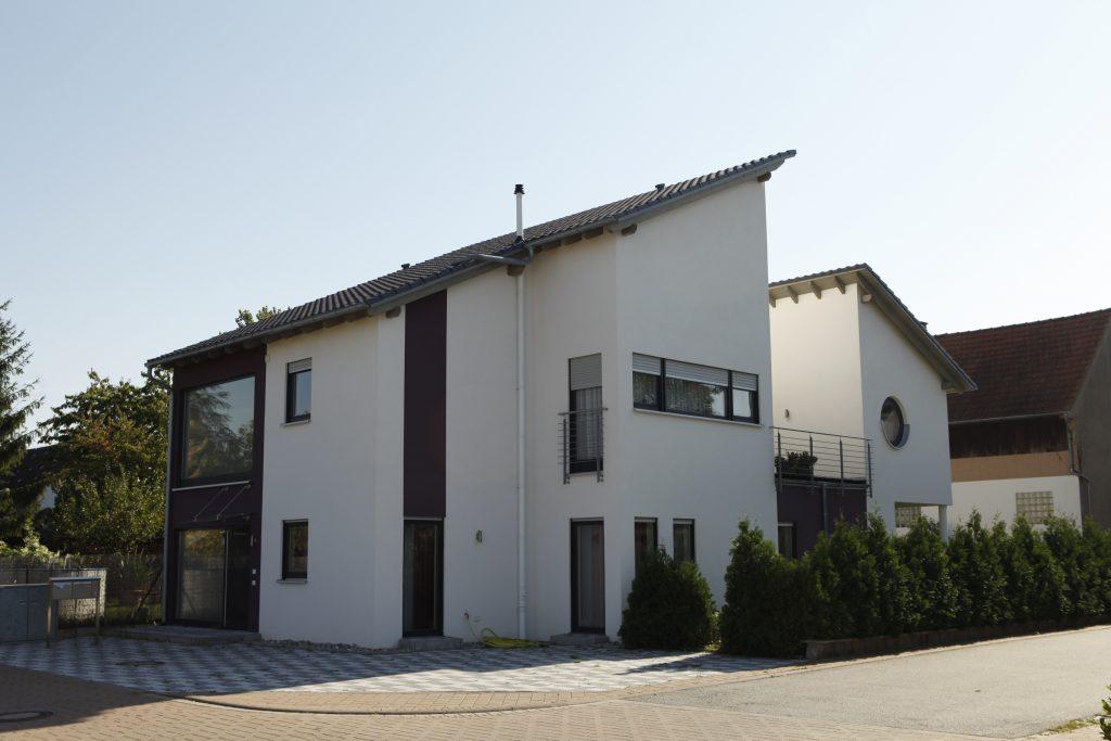 Terrassenhaus-rot
